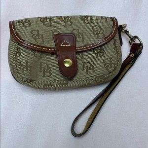 *New* Authentic Dooney & Bourke Wristlet